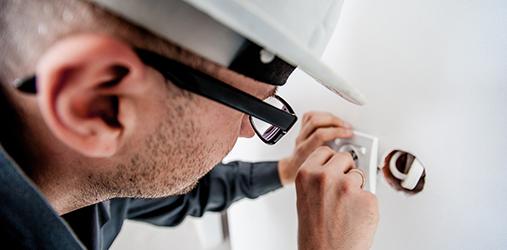 Tous travaux d'électricité intérieurs ou extérieurs par des électriciens qualifiés