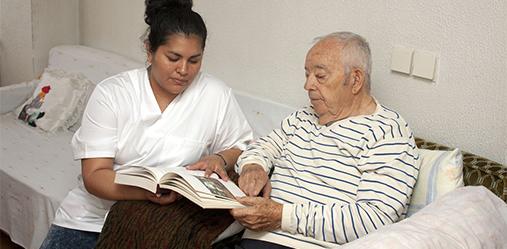 Aides financières : Aide ménagère à domicile pour les personnes âgées